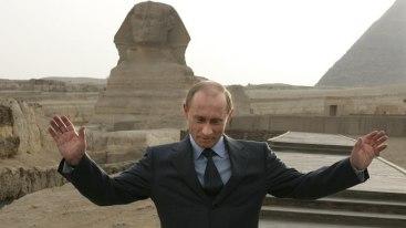 EGYPT-PUTIN-PYRAMIDES